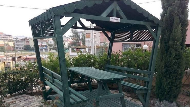 Garden Mobilya – Kamelyalı Piknik Masaları: modern tarz Bahçe