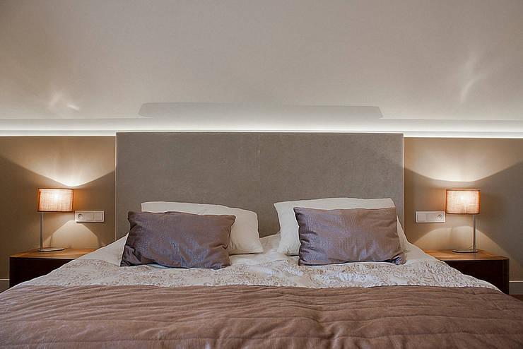 Dom pod Krakowem: styl , w kategorii Sypialnia zaprojektowany przez Finchstudio