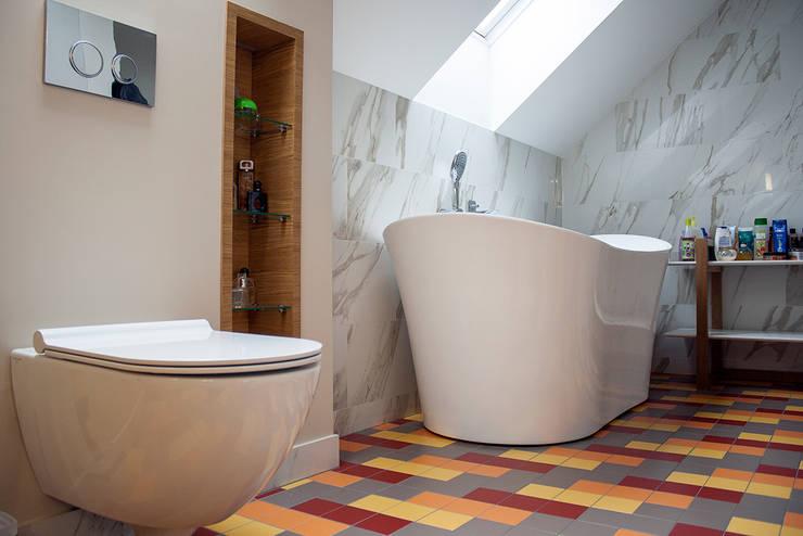 Dom pod Krakowem: styl , w kategorii Łazienka zaprojektowany przez Finchstudio