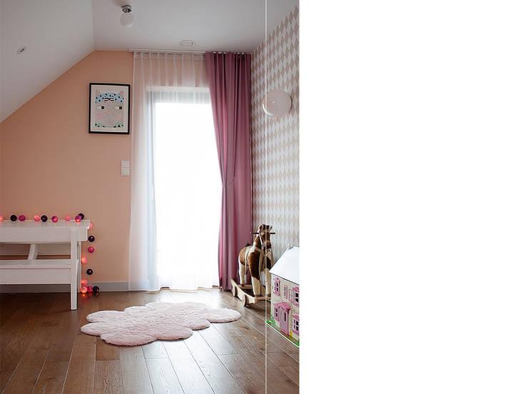 Dom pod Krakowem: styl , w kategorii Pokój dziecięcy zaprojektowany przez Finchstudio