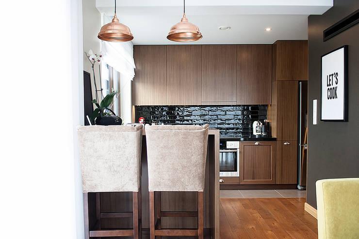 Dom pod Krakowem: styl , w kategorii Kuchnia zaprojektowany przez Finchstudio