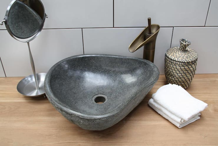 Baños de estilo  de Teakea