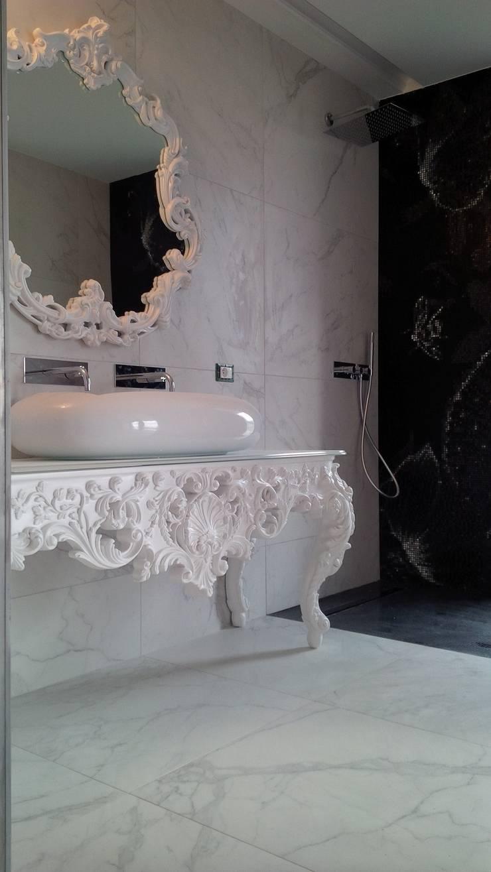 Baños de estilo clásico de IL BAGNO Clásico