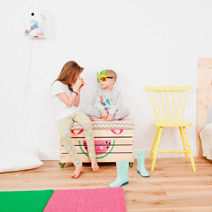 """Lampka nocna domek dla ptaków """"Sen pszczoły"""": styl , w kategorii Pokój dziecięcy zaprojektowany przez NOBOBOBO"""