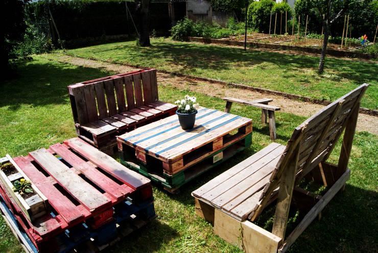 Mobilier de jardin en palettes recyclées 4: Jardin de style de style eclectique par creationsecopalettes