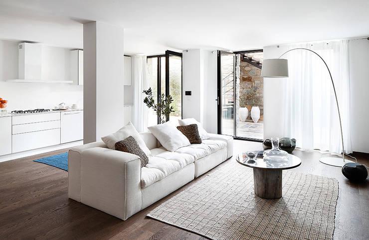 Salas de estar  por Engel & Völkers Bodrum