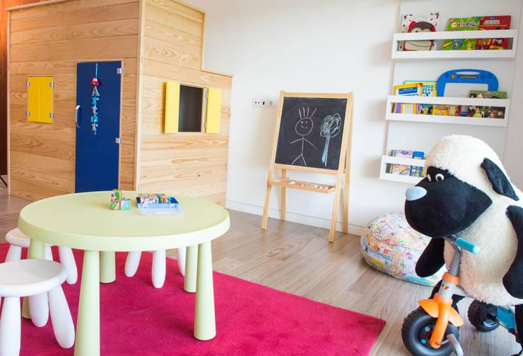 Dormitorios infantiles de estilo  por Ângela Pinheiro Home Design
