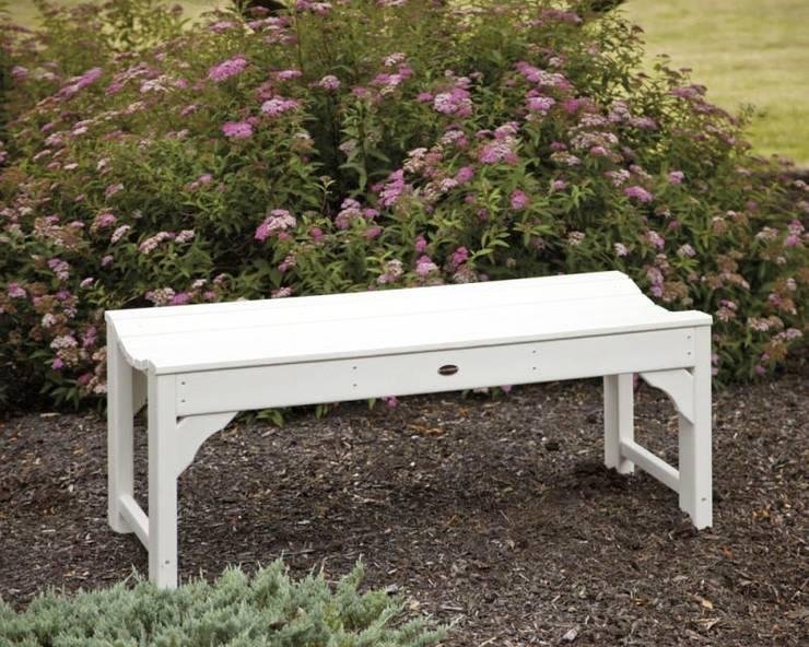 CASA BRUNO TRADITIONAL Banco de Jardín sin respaldo, 122 cm, HDPE poly-madera, blanco: Jardín de estilo  de Casa Bruno American Home Decor