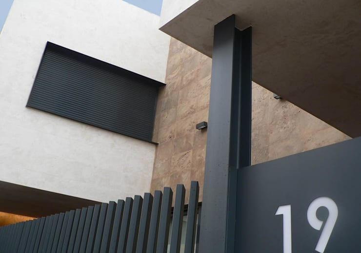 vivienda_unifamiliar_puçol_foto_exterior_2: Casas de estilo  de aguilar avila studio