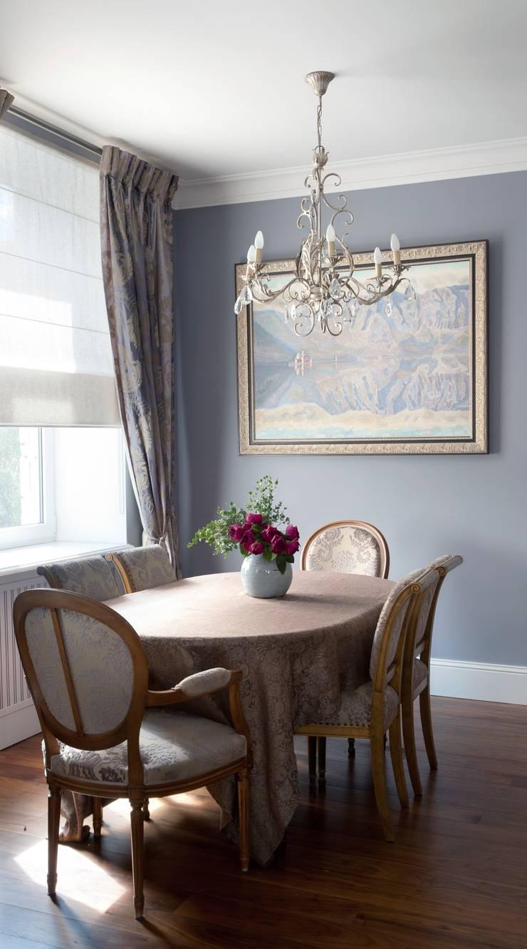 Квартира в сиреневых тонах: Столовые комнаты в . Автор – ANIMA
