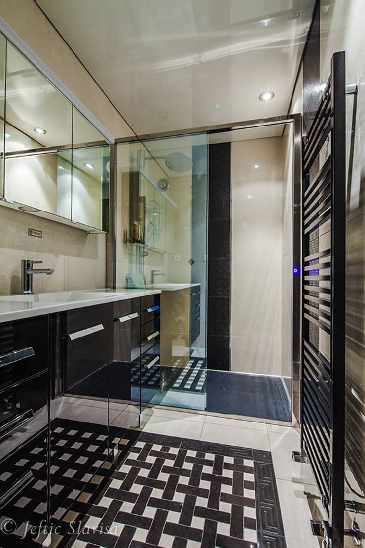 transformation d 39 un espace baignoire par une douche by carrelages et salles de bains biggi homify. Black Bedroom Furniture Sets. Home Design Ideas