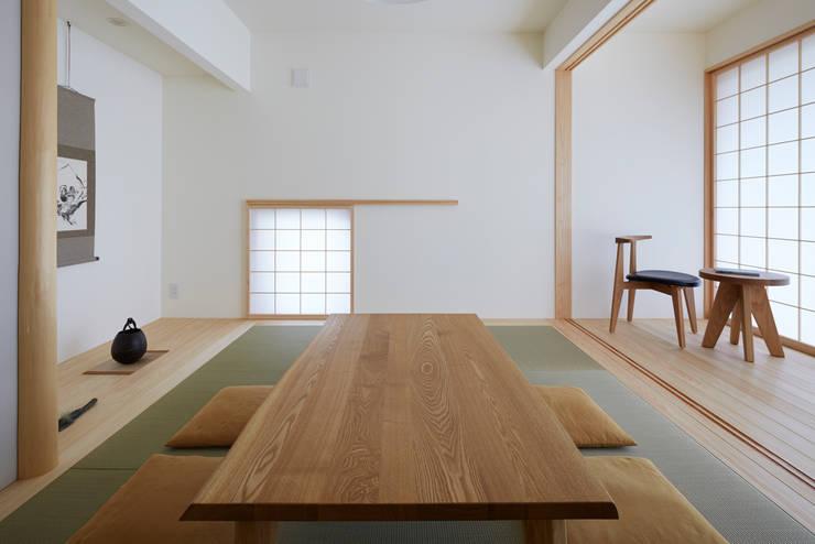 kenji_masunaga_3_009 モダンな 家 の 益永研司写真事務所 モダン