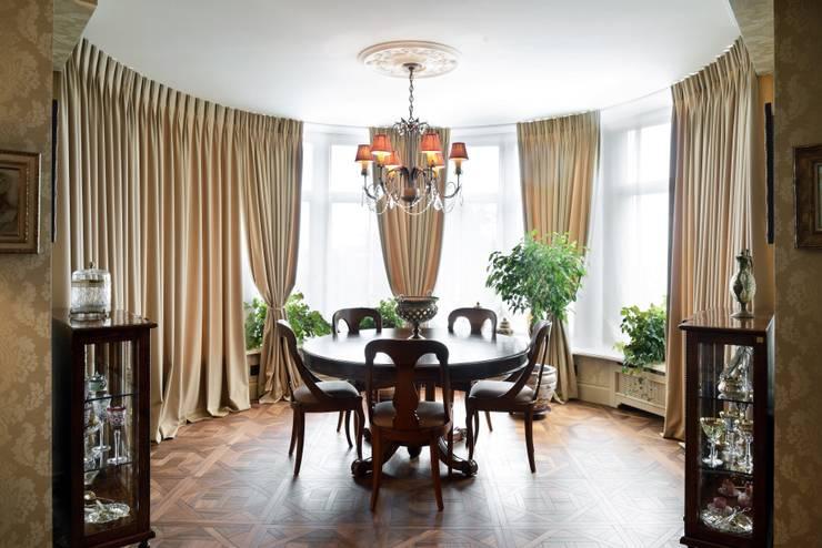 Квартира в английском стиле: Столовые комнаты в . Автор – ANIMA