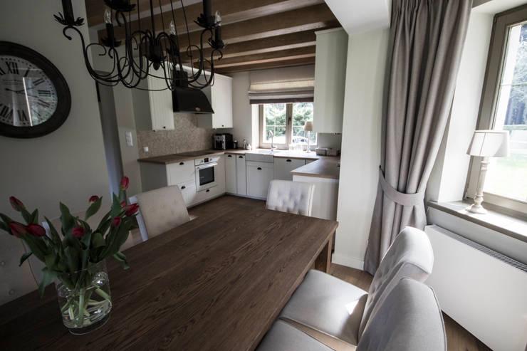 Dom w Polanicy: styl , w kategorii Kuchnia zaprojektowany przez ASA Autorskie Studio Architektury