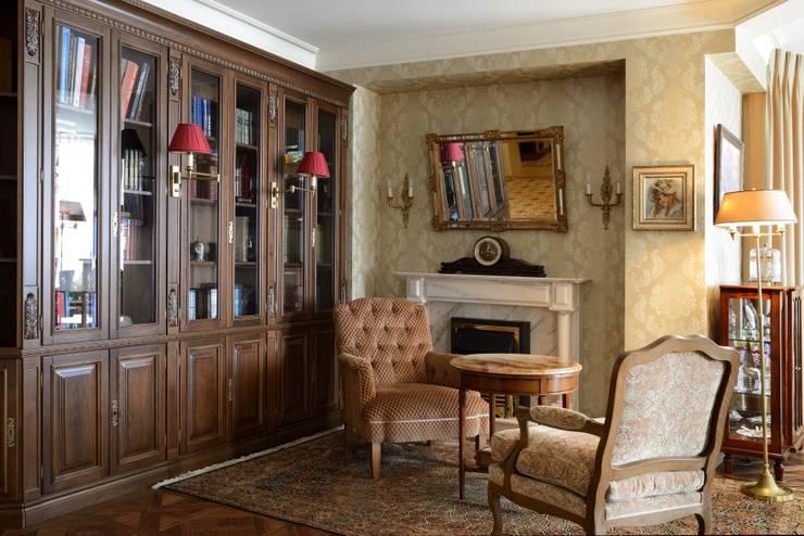 Квартира в английском стиле: Гостиная в . Автор – ANIMA