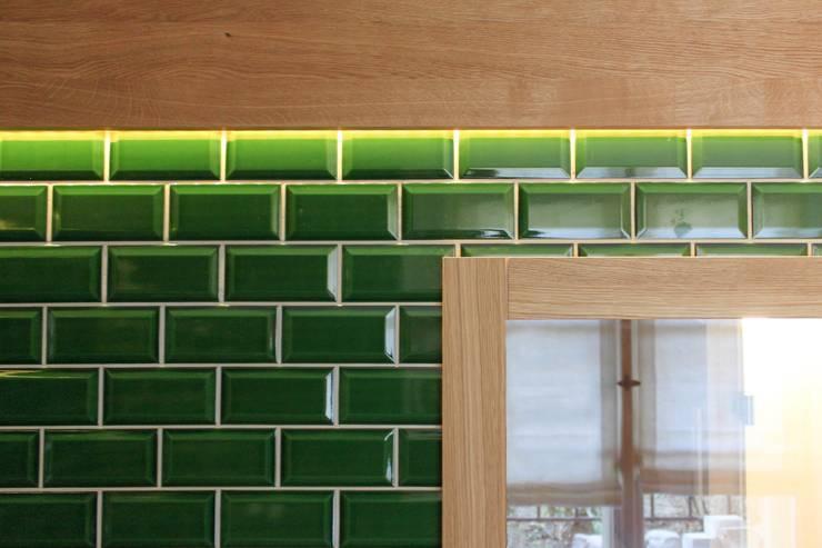 Ванные комнаты в . Автор – Lena Klanten Architektin