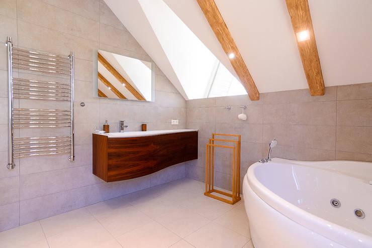 minimalistic Bathroom by Креазон