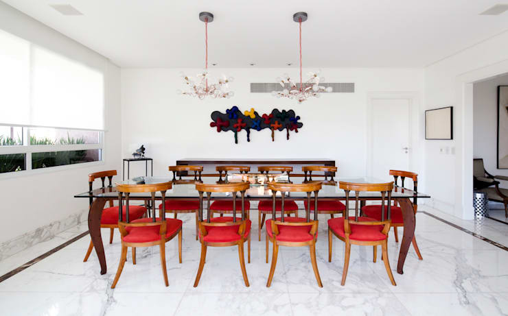 minimalistic Dining room by Noura van Dijk Interior Design