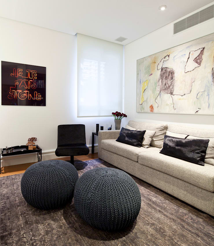 VNC APARTAMENTO : Salas multimídia  por Noura van Dijk Interior Design
