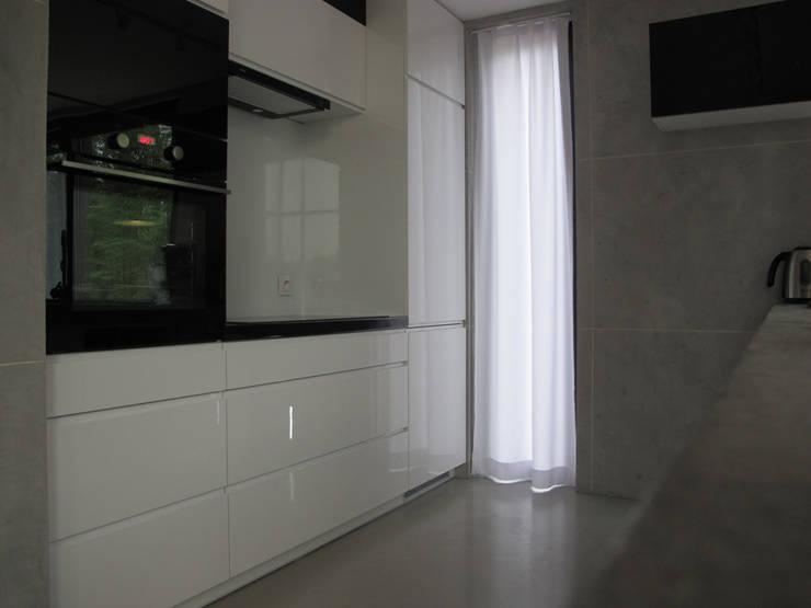 10: styl , w kategorii Kuchnia zaprojektowany przez Projekt Kolektyw Sp. z o.o.