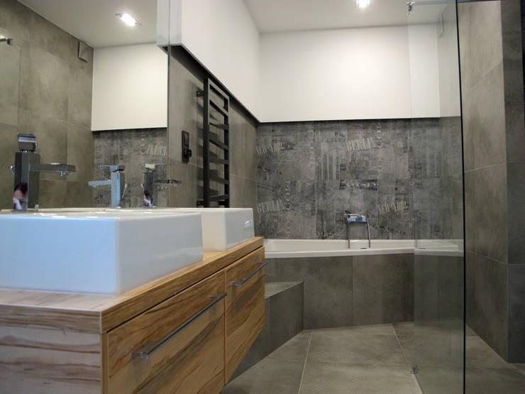 Projekt Kolektyw Sp. z o.o.의  욕실