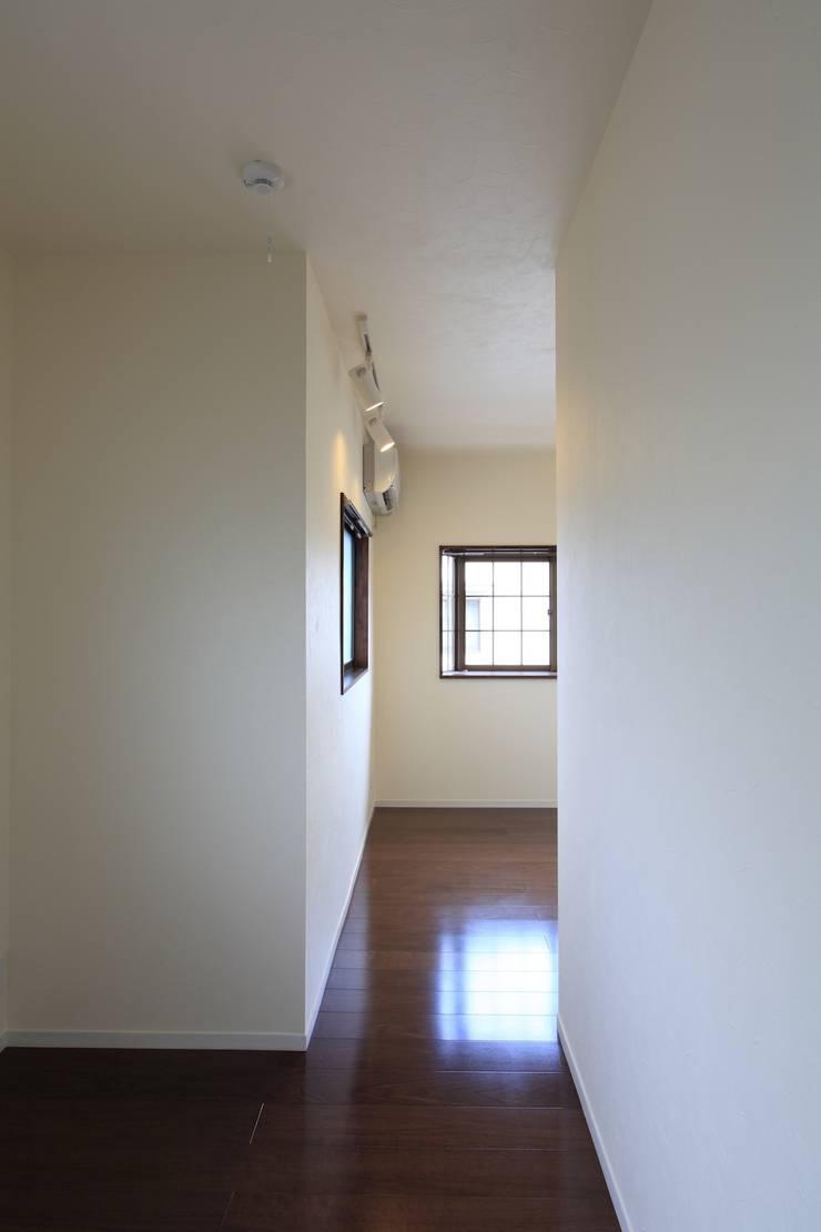 子供部屋: 株式会社伏見屋一級建築士事務所が手掛けた子供部屋です。