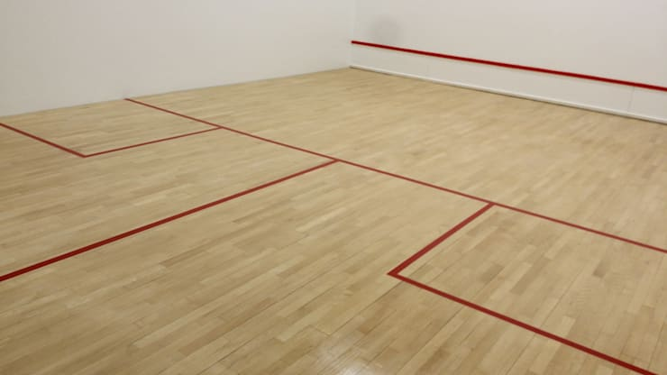 r novation parquet salle de squash paris 8eme par mts parquet homify. Black Bedroom Furniture Sets. Home Design Ideas
