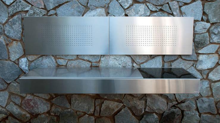 Barbecues tout inox Design: Jardin de style de style Moderne par chemoa.fr