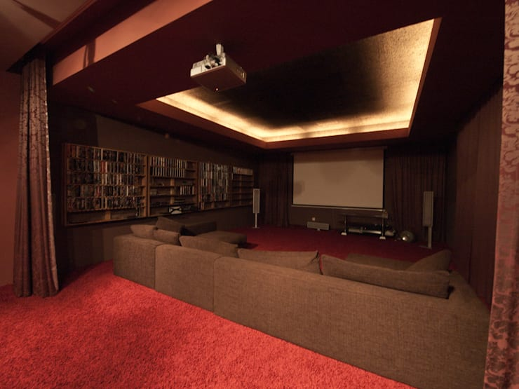 T residence: Медиа комнаты в . Автор – Didenkül+Partners
