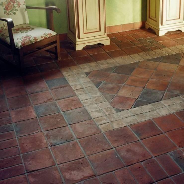 Terakota GOTYCKA 20x20: styl , w kategorii Ściany i podłogi zaprojektowany przez Rogiński Warsztat Artystyczny - DomRustykalny.pl