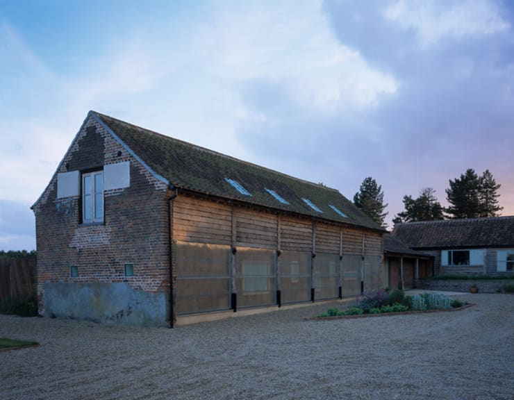 Quaker Barns:  Houses by Hudson Architects