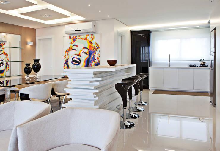 Cozinha, jantar: Cozinhas  por Virtu Arquitetura