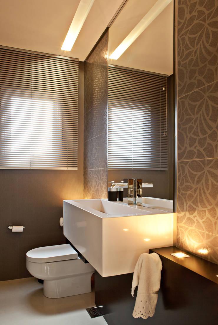 Lavabo: Banheiros  por Virtu Arquitetura