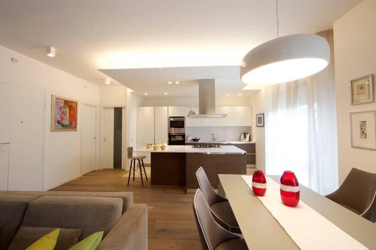 Ruang Makan by Modularis Progettazione e Arredo
