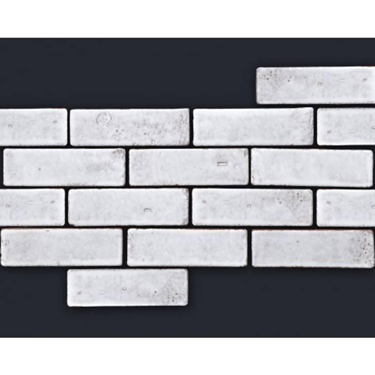Cegiełka COTTO 15x5 TUMBLED glazura biała: styl , w kategorii  zaprojektowany przez Rogiński Warsztat Artystyczny - DomRustykalny.pl,Rustykalny
