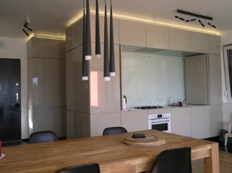 Salon z aneksem kuchennym: styl , w kategorii Kuchnia zaprojektowany przez katarzynahabersack,Nowoczesny