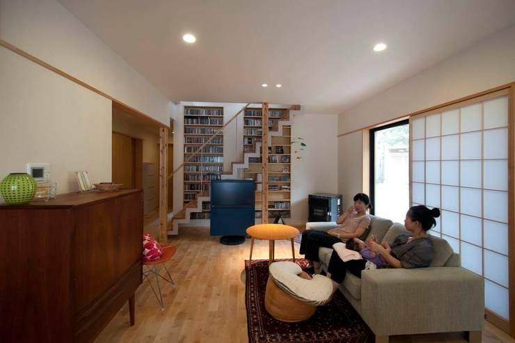 Wohnzimmer von 家山真建築研究室 Makoto Ieyama Architect Office