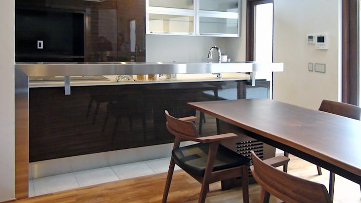 modern Kitchen by k-design(カワジリデザイン)