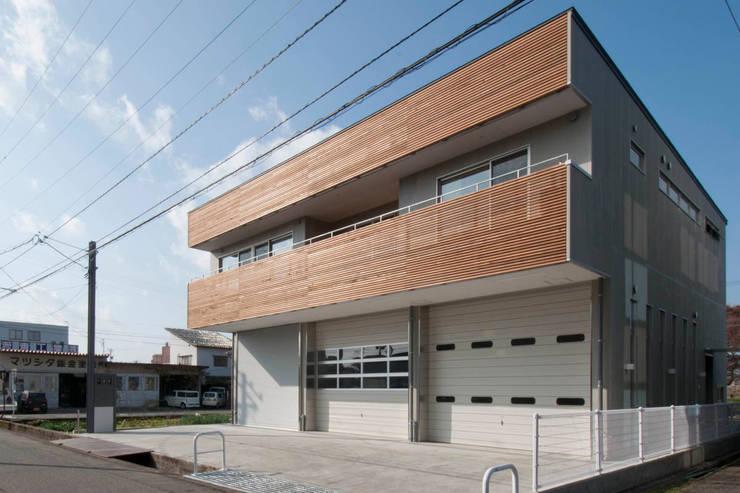 Casas de estilo  de 家山真建築研究室 Makoto Ieyama Architect Office