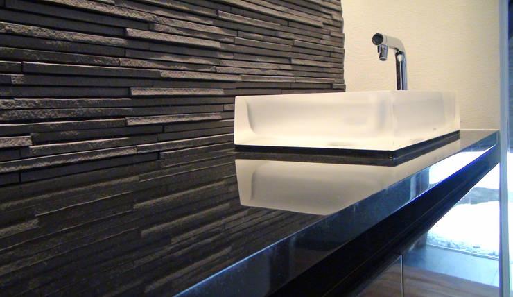 WC: k-design(カワジリデザイン)が手掛けた洗面所&風呂&トイレです。