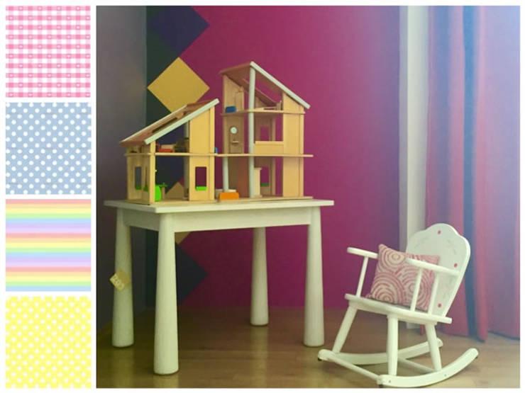 Casita de muñecas, mecedora y mesa infantil: Habitaciones infantiles de estilo  por MARIANGEL COGHLAN