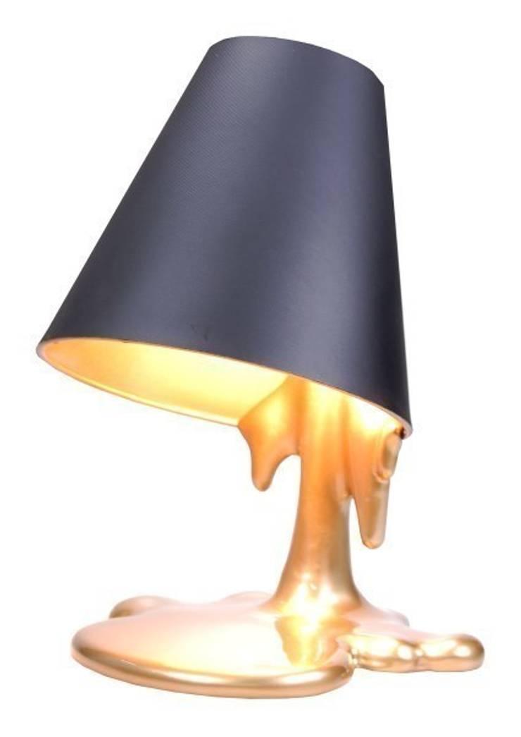 Vago Minds Ltd. – Eriyen Masa Lambası / Melted Lamp: modern tarz , Modern