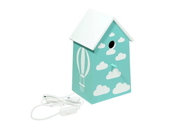 """Lampka nocna domek dla ptaków """"Z głową w chmurach"""": styl , w kategorii Pokój dziecięcy zaprojektowany przez NOBOBOBO"""
