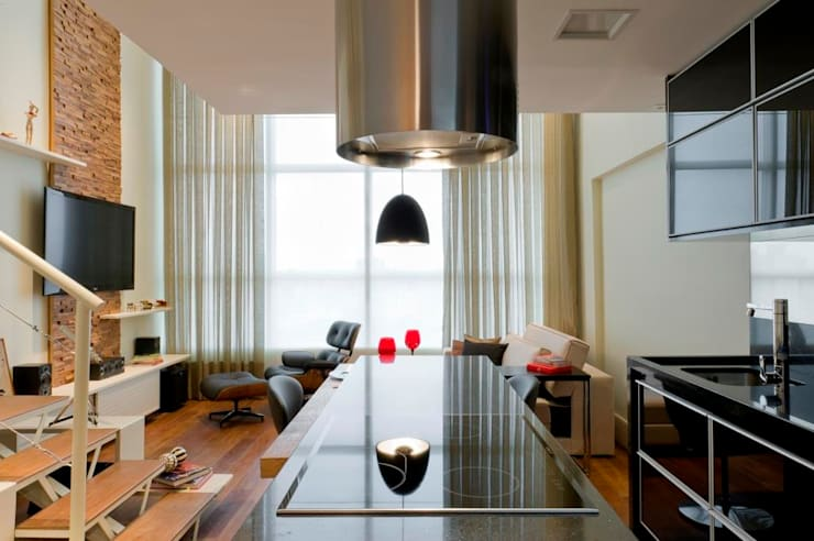 LOFT SANTANA, SÃO PAULO(SP): Cozinhas modernas por LORENZZO ARQUITETURA E INTERIORES