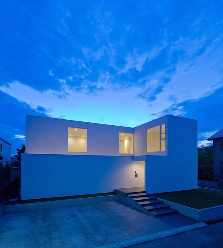 3×10 Court house 外観: e do design 一級建築士事務所が手掛けた家です。,