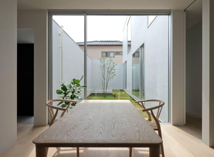 3×10 Court house Office: e do design 一級建築士事務所が手掛けた書斎です。