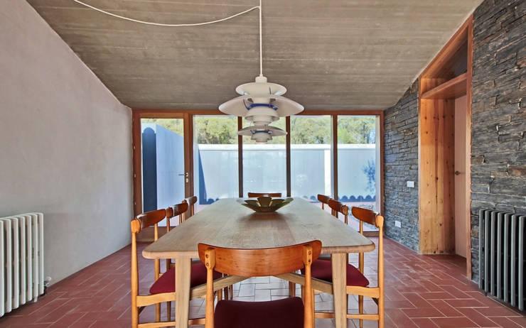 Sala da pranzo in stile  di bellafilarquitectes