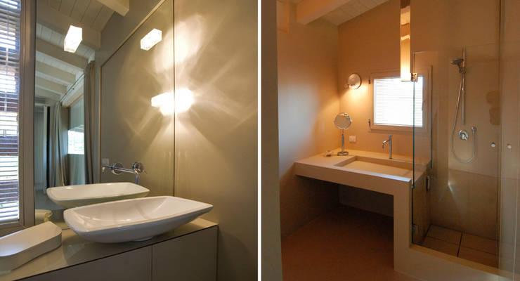 Casa Manfredi _ casa manfredi: Bagno in stile  di LDA.iMdA architetti associati