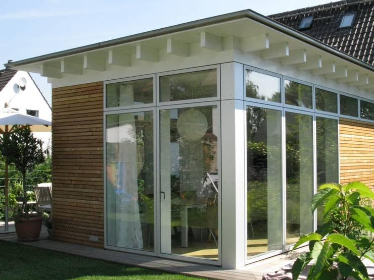 Gartenansicht:  Häuser von RiekeGüntscheArchitekten BDA