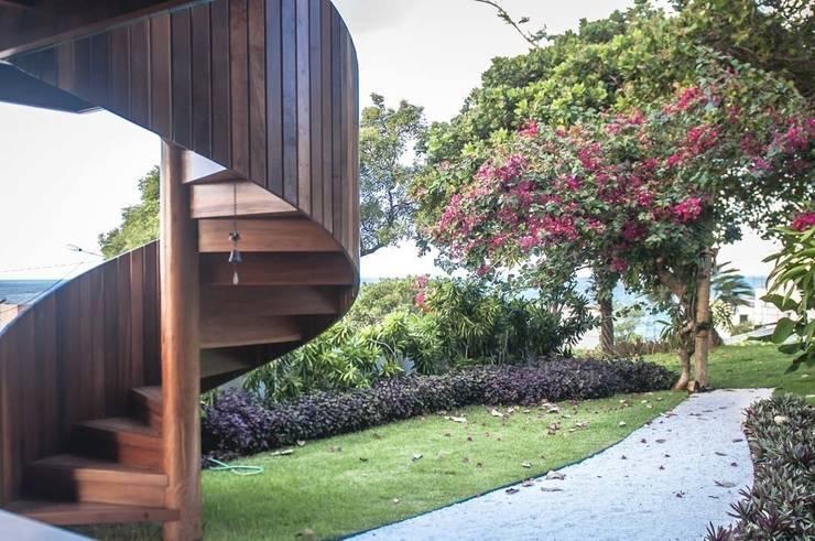 Projeto Online em Natal: Jardins tropicais por Roncato Paisagismo e Comércio de Plantas Ltda